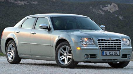 Chrysler_300C_2005-W