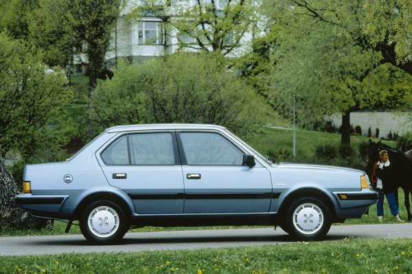 0650393-Volvo-360-GL-1985
