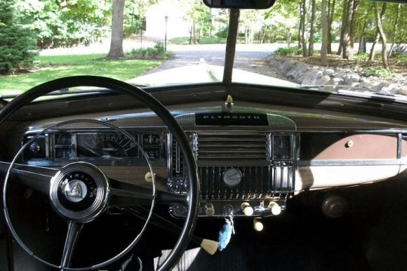 1947_Plymouth_Deluxe_Interior_1