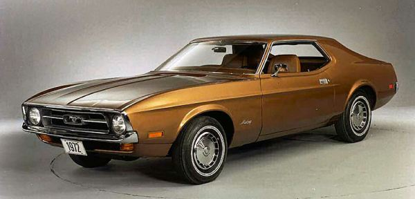 1972 Ford Mustang brown notchback