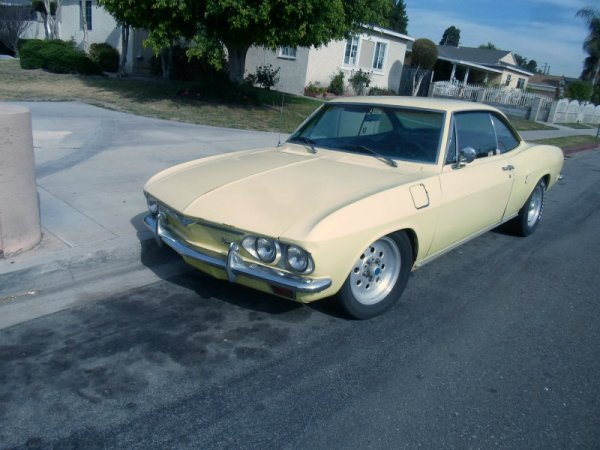 Chevrolet Corvair a