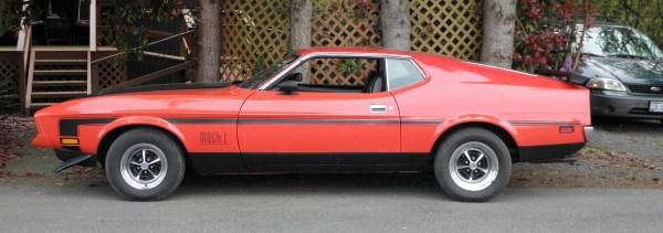 Red 1972 Mustang Mach 1 _05 crop