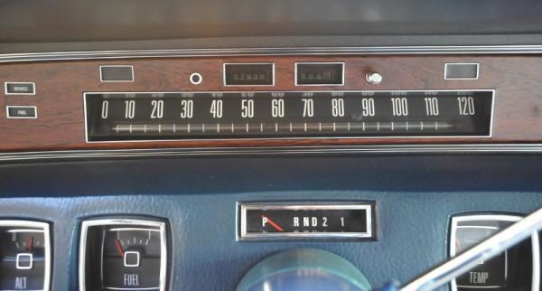 1972LincCoupe072 (800x429)