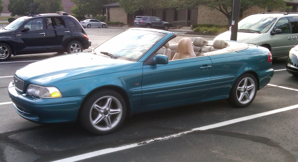 curbside classic 2001 volvo c70 convertible the sexy swede. Black Bedroom Furniture Sets. Home Design Ideas