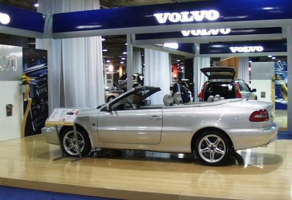 2001VolvoC70Ad03