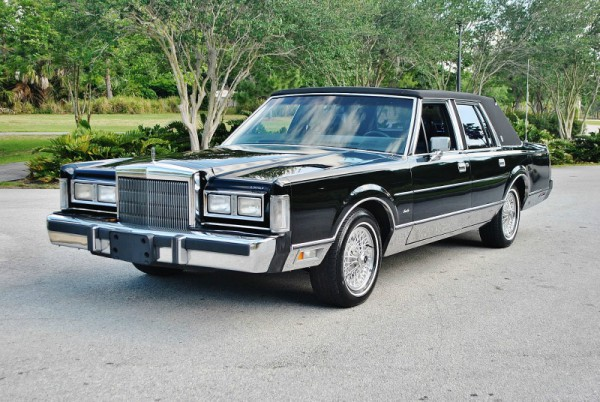 As A Matter Of Fact I Was Searching For 1985 89 Lincolns Cars Like The Black 88 Signature Above Was What I Was Looking For When This Um Creation