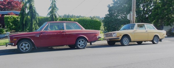 Volvo 142 in red and yellow