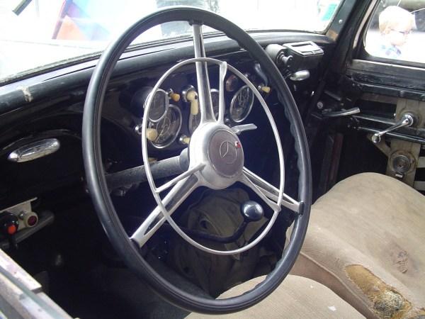 MercedesW136_3