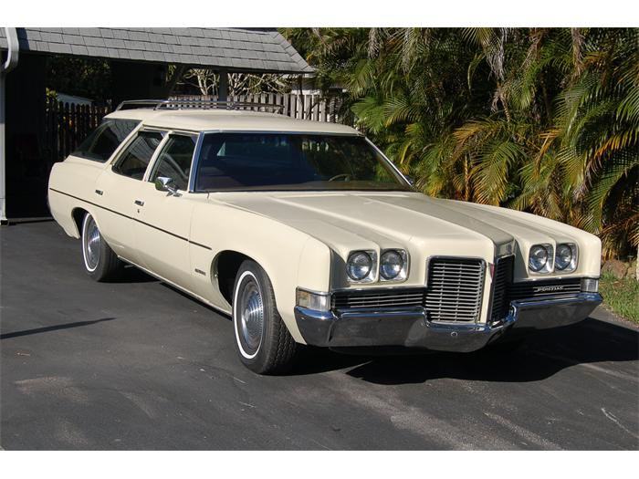 1969 Pontiac Bonneville Station Wagon