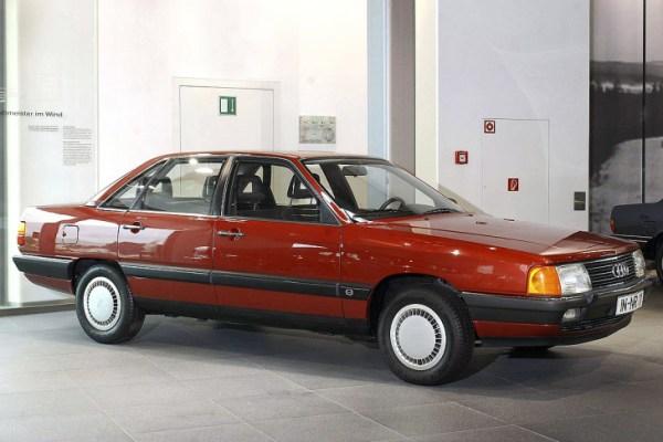 Audi-100-Typ-44-729x486-4241ce62c4055e4c