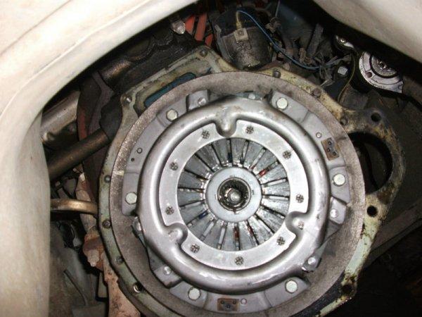 Datsun 210 clutch