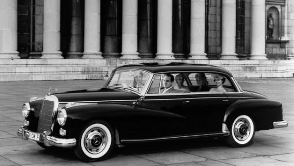 Mercedes 300d w189 640x362