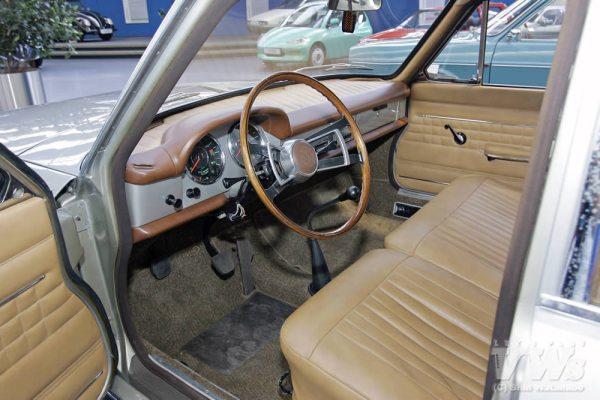 VW EA 128 int