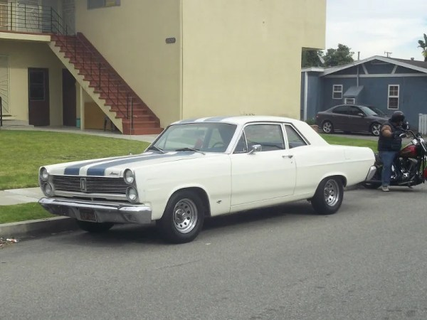 1967 Mercury Comet Front view