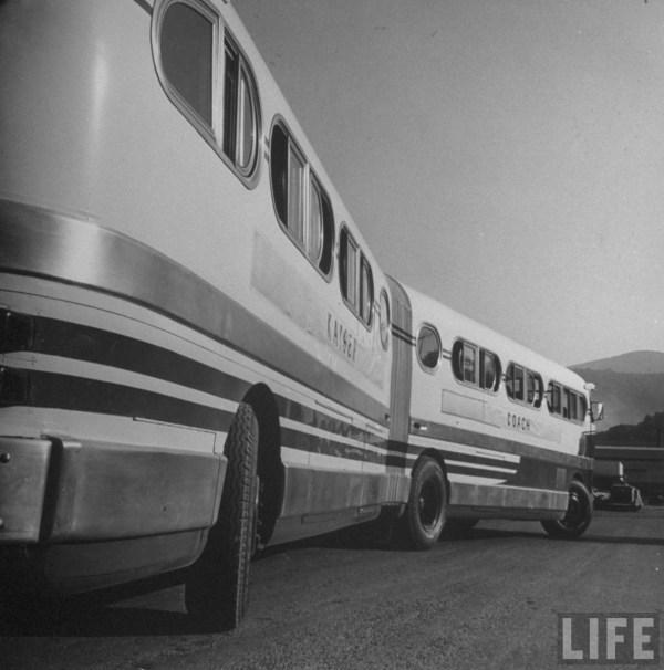 Kaiser bus 1946 side