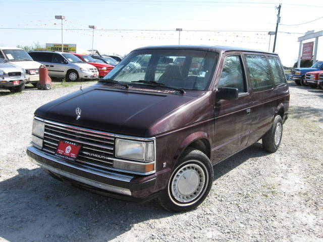 1990_plymouth_voyager_96635333300915186