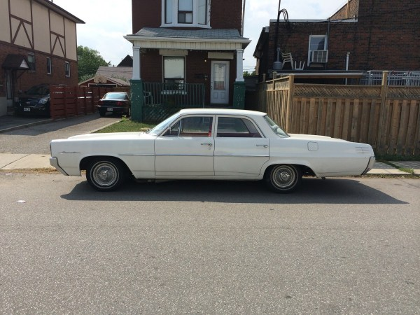 Pontiac 1964 Laurentian side
