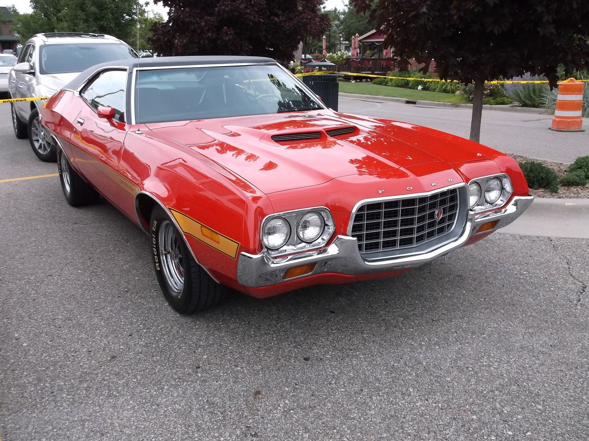 in 1972 ford completely redesigned the torino and replaced the gt and cobra models with this gran torino sport sportsroof which had more in common with
