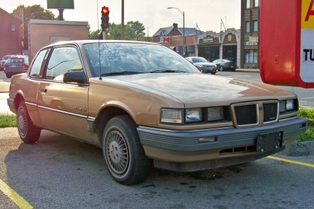 1985_Pontiac_Grand_Am