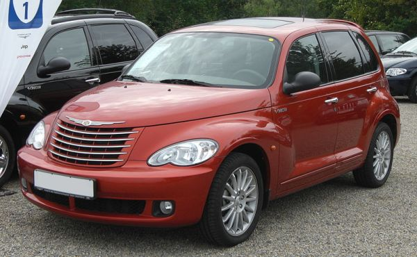 800px-Chrysler_PT-Cruiser_2.2_CRD_Touring_Facelift_front-1
