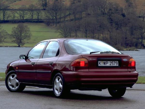 Ford-Mondeo-hatch-1994