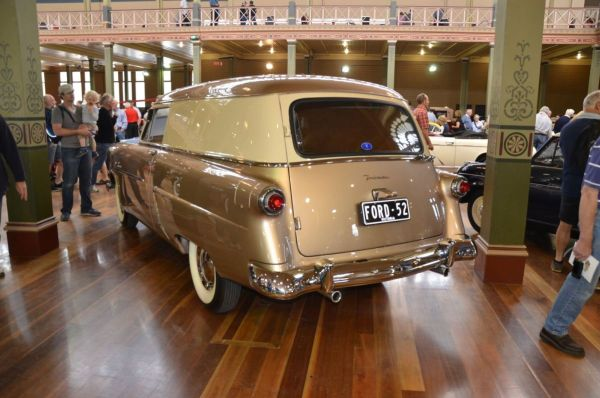 1952 Ford Courier sedan delivery rear