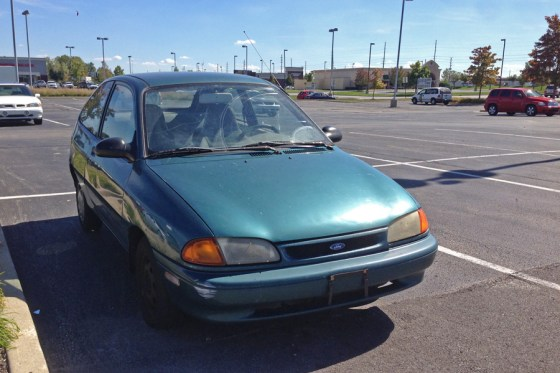 1996 Ford Aspire (2) e