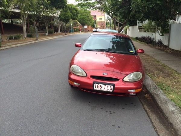 Ford Taurus Ghia (7)