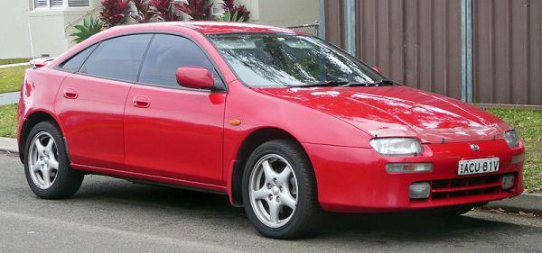800px-1994-1997_Mazda_323_(BA)_Astina_5-door_hatchback_02
