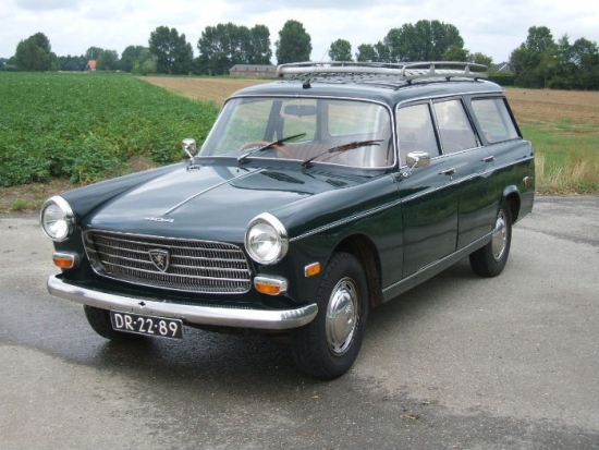 Peugeot 404 familiale 1