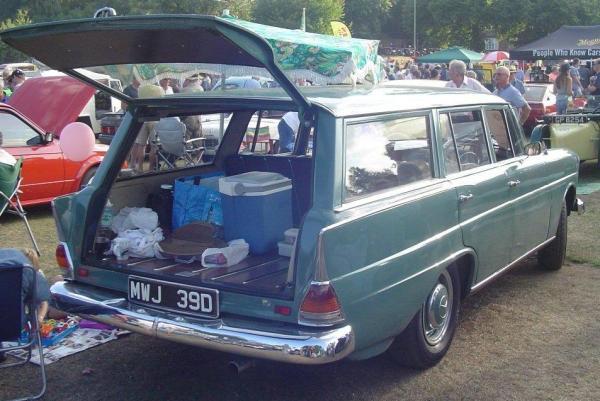 1966 Mercedes-Benz 230 Universal_3