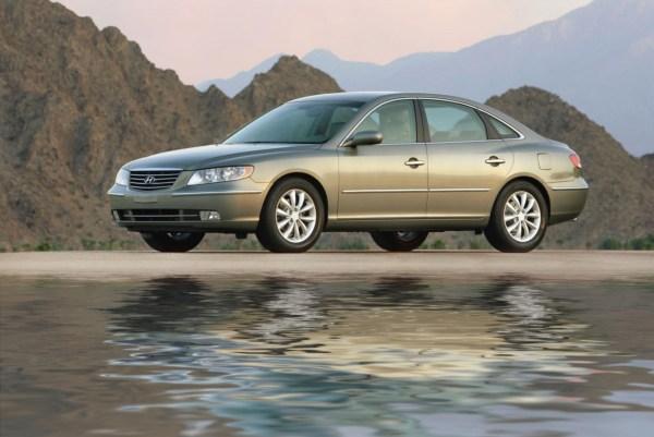 2006-Hyundai-Azera-Sedan-Image-012