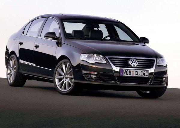 2006-Volkswagen-Passat-01
