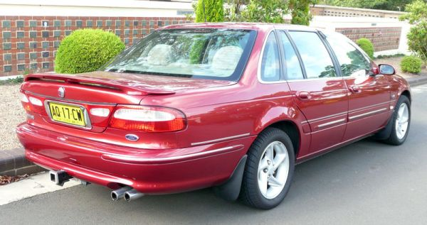 800px-1996-1998_Ford_NL_Fairlane_Ghia_sedan_05