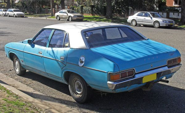 800px-Ford_XB_Falcon_500_01