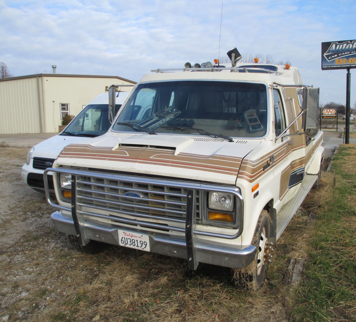 Curbside classic 1990 ford e 350 by cabriolet purpose for Classic house 1990