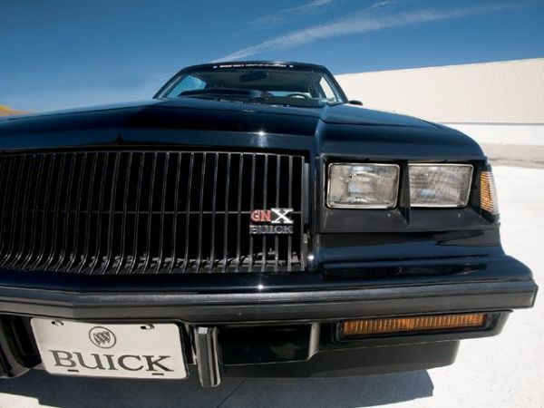 0809gmhtp_04_z+1987_buick_regal_gnx+front_grille