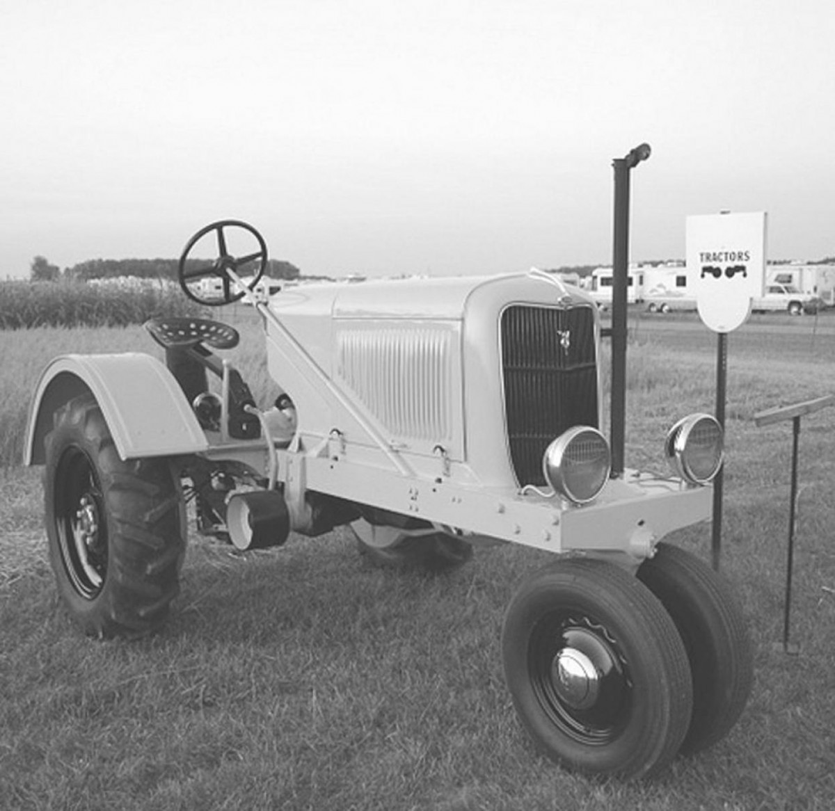 Note that ford had not been sitting idle after stopping us fordson production in 1928 a number of prototype tractors had been developed many of which