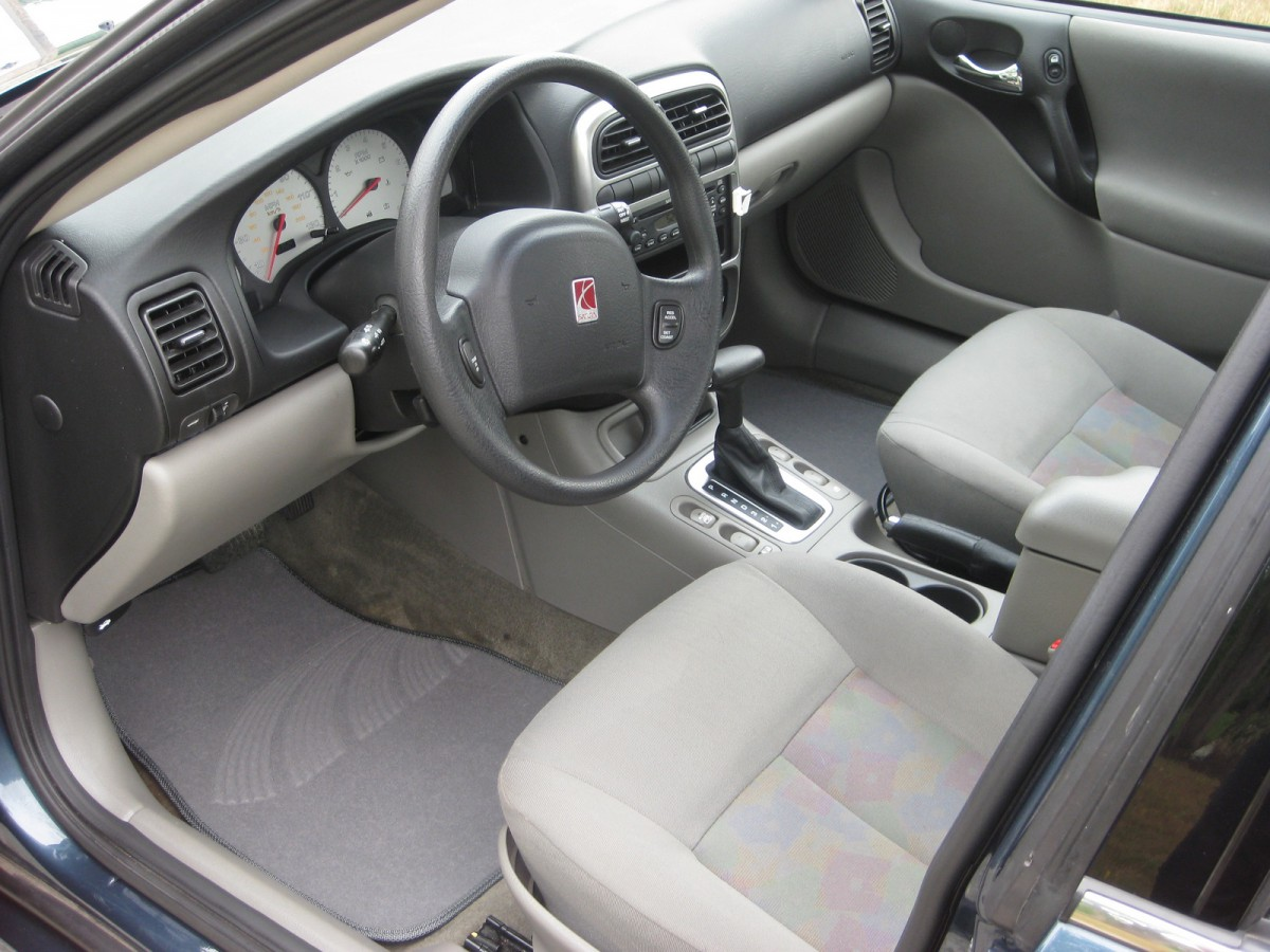 Future curbside classic 2004 saturn l300 a not so different an existing gm factory in wilmington delaware was retooled for l series production a move which further separated the l series from saturns control and vanachro Gallery