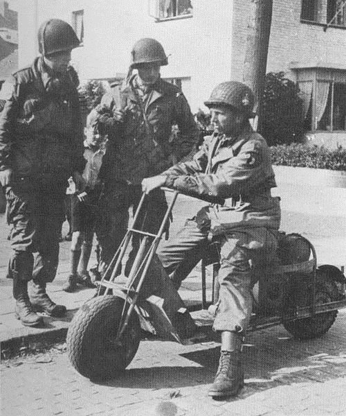 Cushman-53-Airborne-Scooter_1