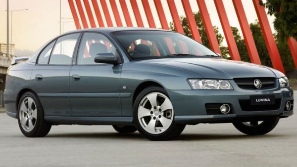 Holden-VZ-Commodore-Lumina-2006-2