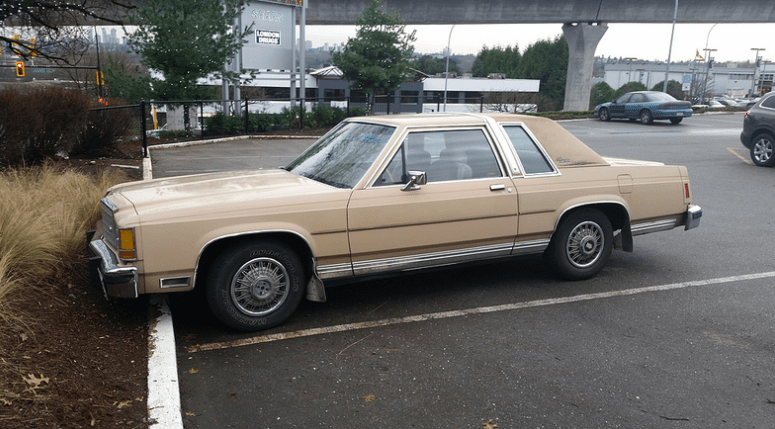 Cohort Sighting 1986 Ford Crown Victoria LTD Two-Door u2013 Two More Years! & Cohort Sighting: 1986 Ford Crown Victoria LTD Two-Door u2013 Two More ... markmcfarlin.com