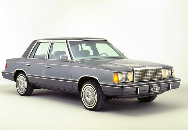1982_Plymouth_Reliant_4dr