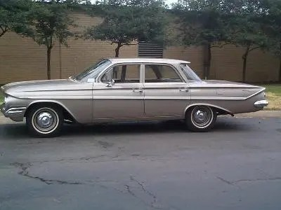 Chevrolet 1961 bel air sedan 4 door