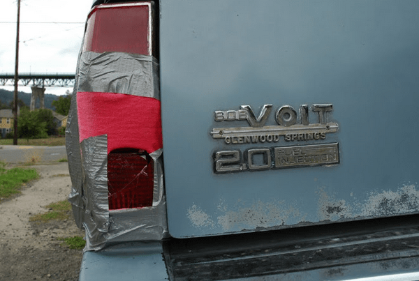 Chevrolet 1983 Cavalier 2.0 badge