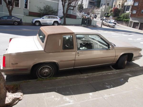 caddy coupe de ville 1980s (2)