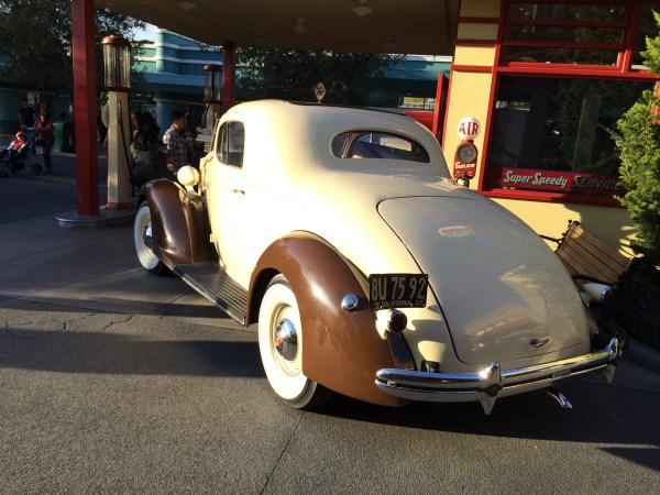 disneyland car