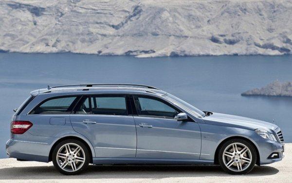 028374_Mercedes_E-Class_Wagon_Due_in_Frankfurt_and_North_America