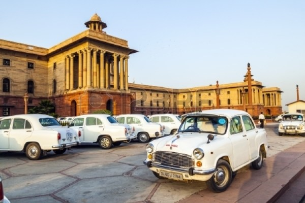 16377524-delhi-india--october-16-official-hindustan-ambassador-cars-parked-outside-north-block-secretariat-bu