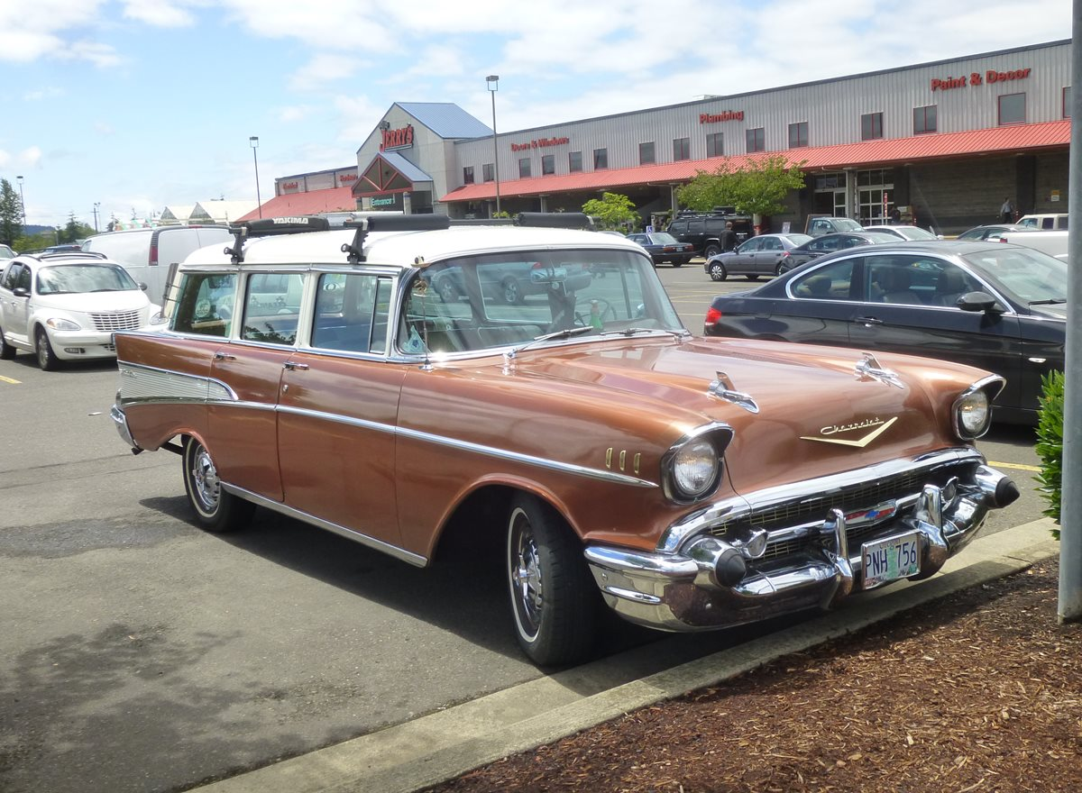 Curbside Classics 1957 Chevrolet 210 And Bel Air Station Wagons Chevy Wagon Cc 229 066 1200